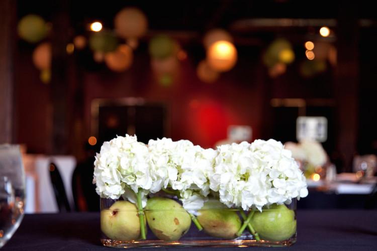 pears + hydrangea centerpieces