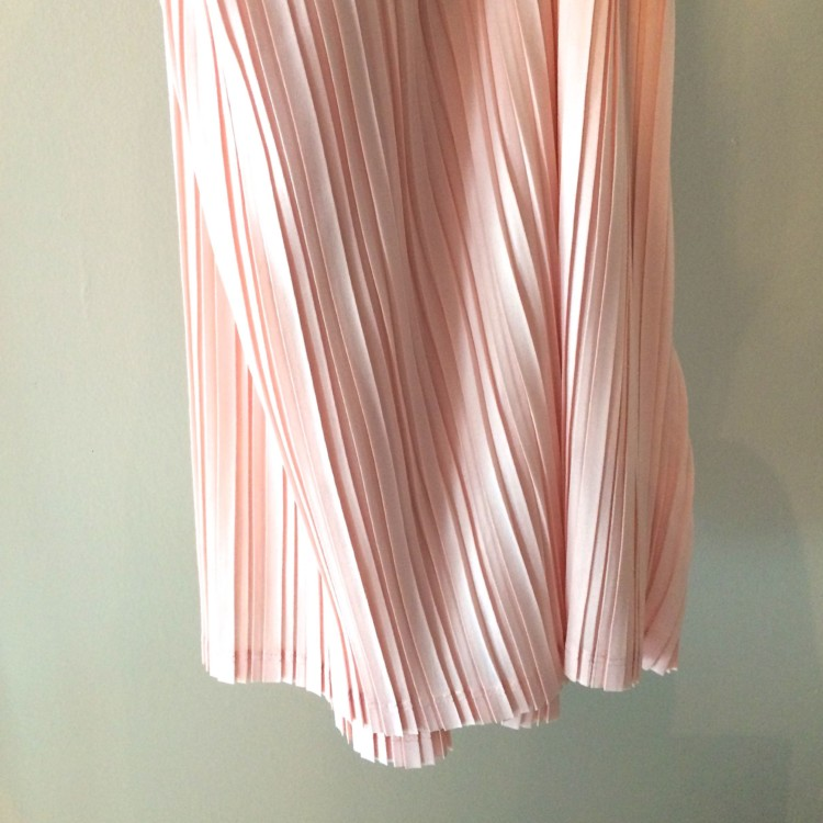 gorgeous pleated pink skirt from mossimo