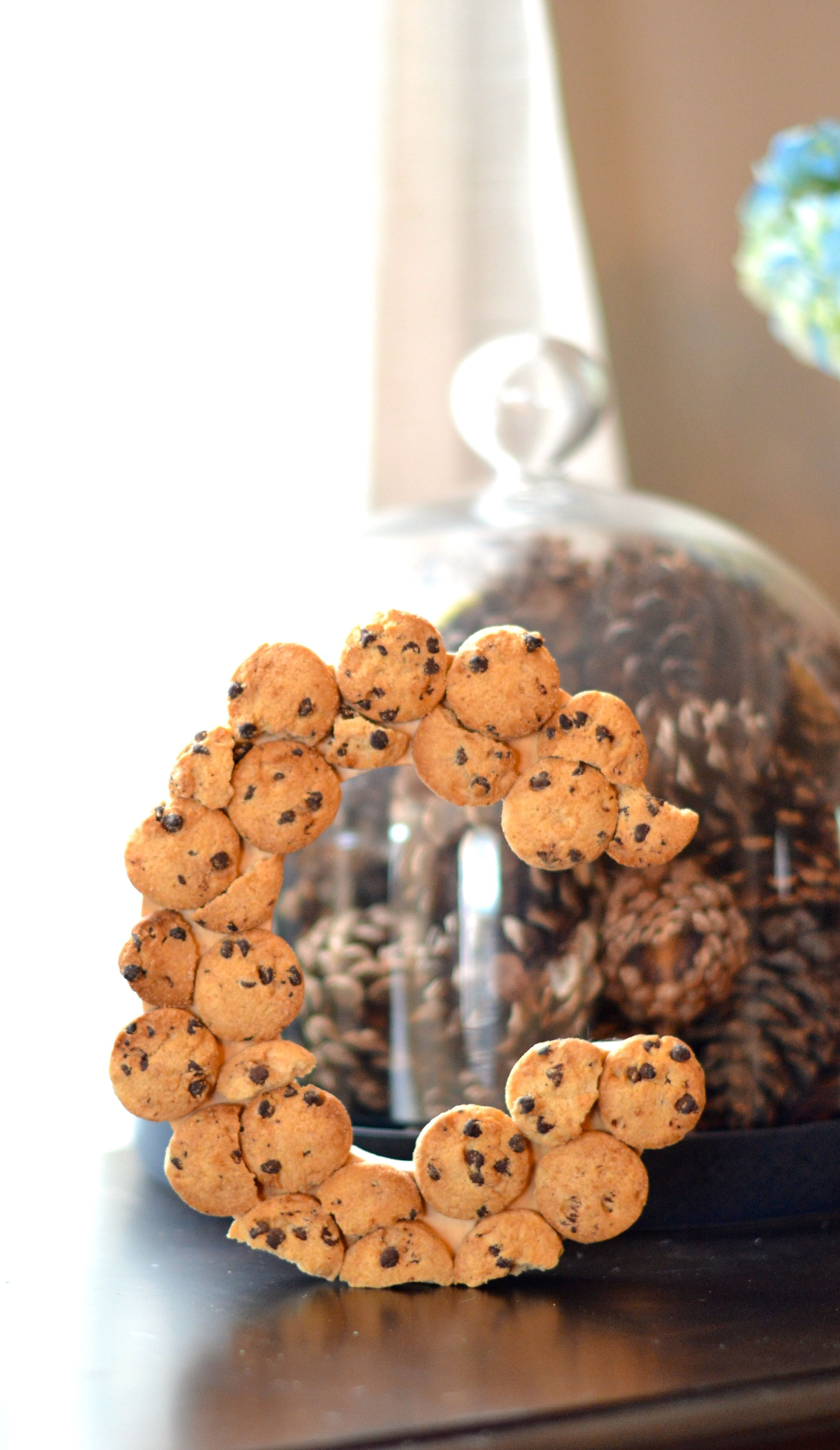 chocolate chip cookie initial decoration - super easy and so cute for a milk & cookies party theme