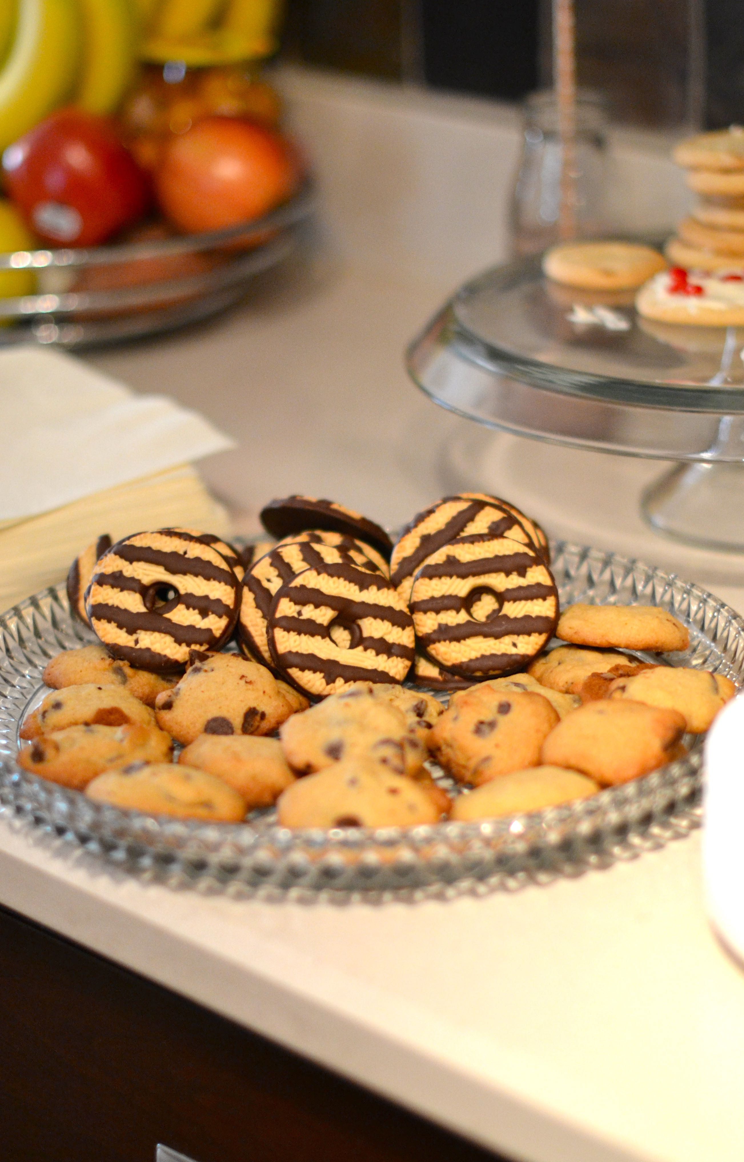cookies - cookies & milk themed party