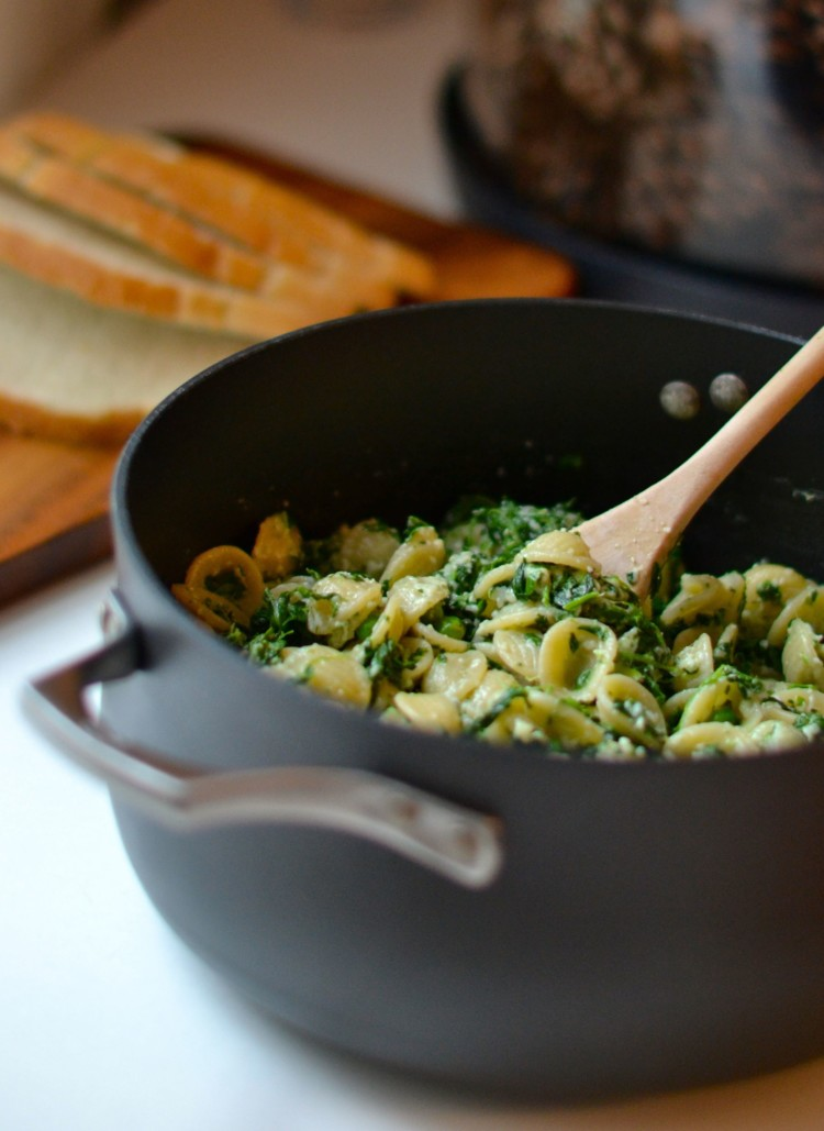 easy weeknight meal - one pot orecchiette pasta - vegetarian and delicious!