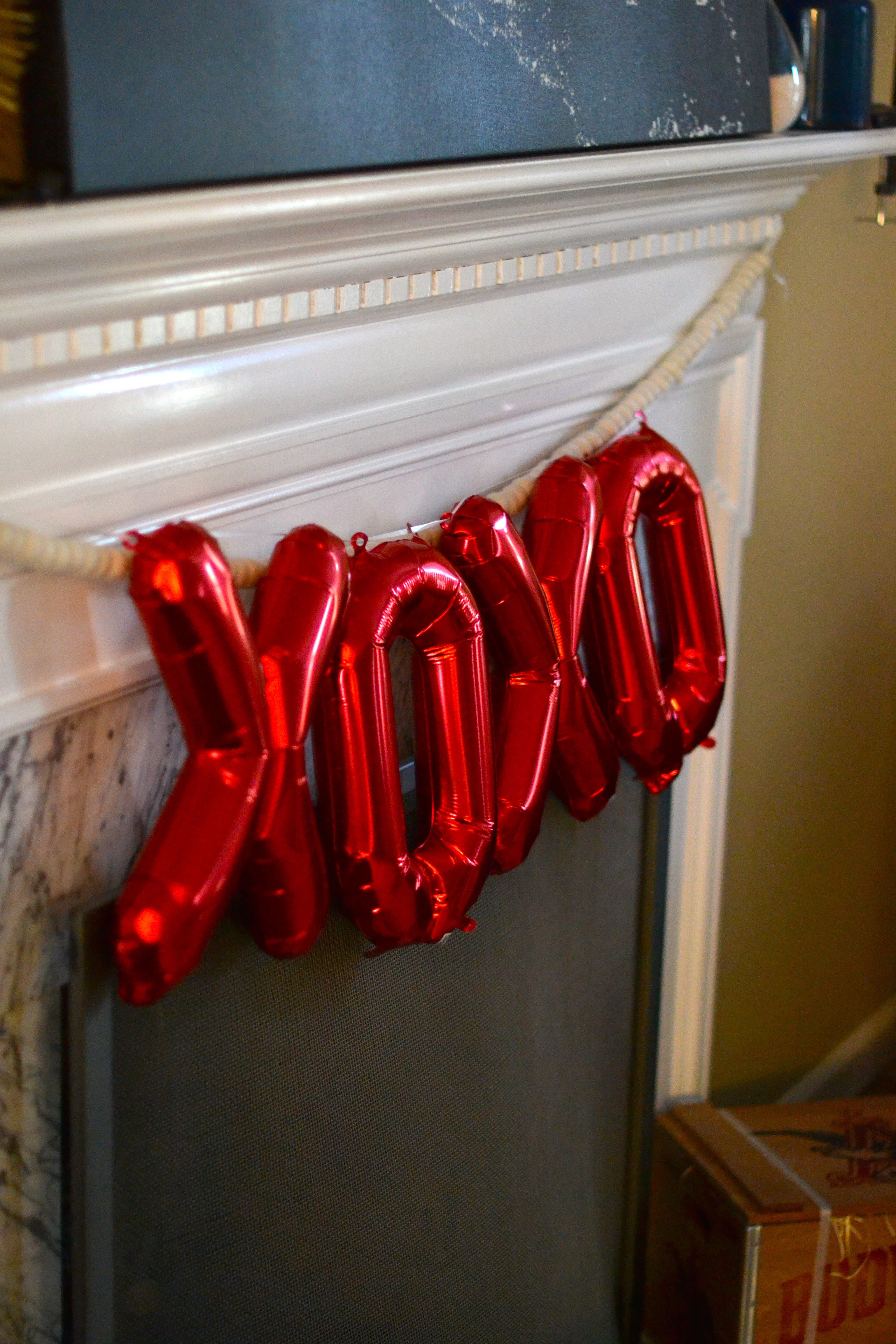 Valentine's Day must have: XOXO banner
