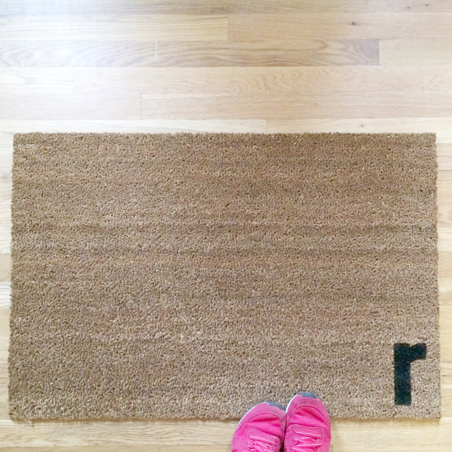 Easy DIY Personalized Door Mat