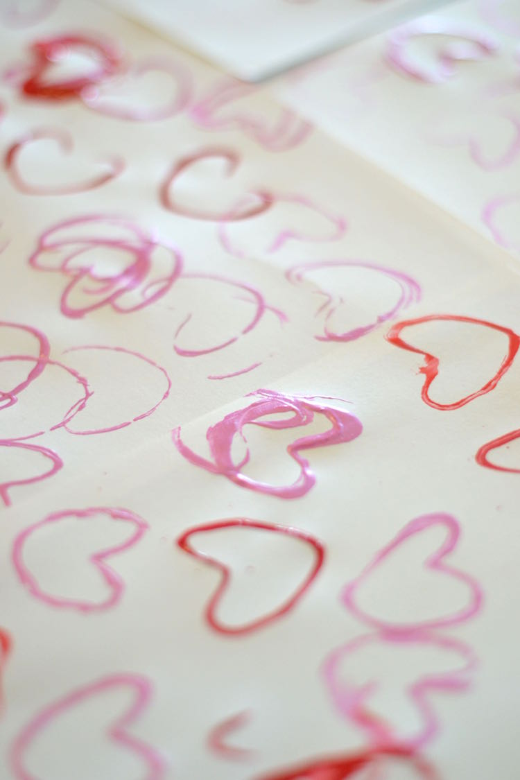 heart stamp art - perfect for Valentine's Day - easy DIY craft // lovelyluckylife.com