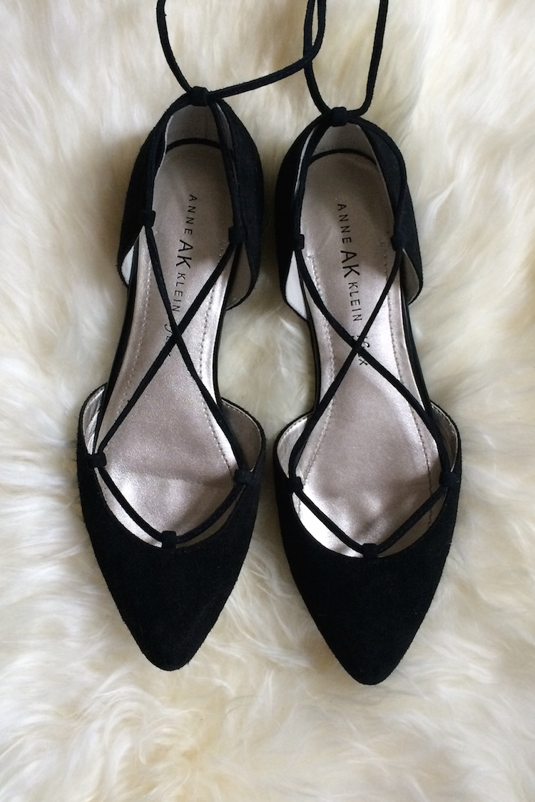 these are the best lace up flats under 100 dollars // lovelyluckylife.com