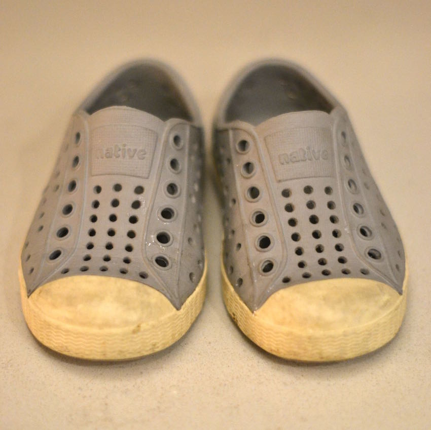 how to clean dirty Native shoes - this would work for Crocs, too! // lovelyluckylife.com