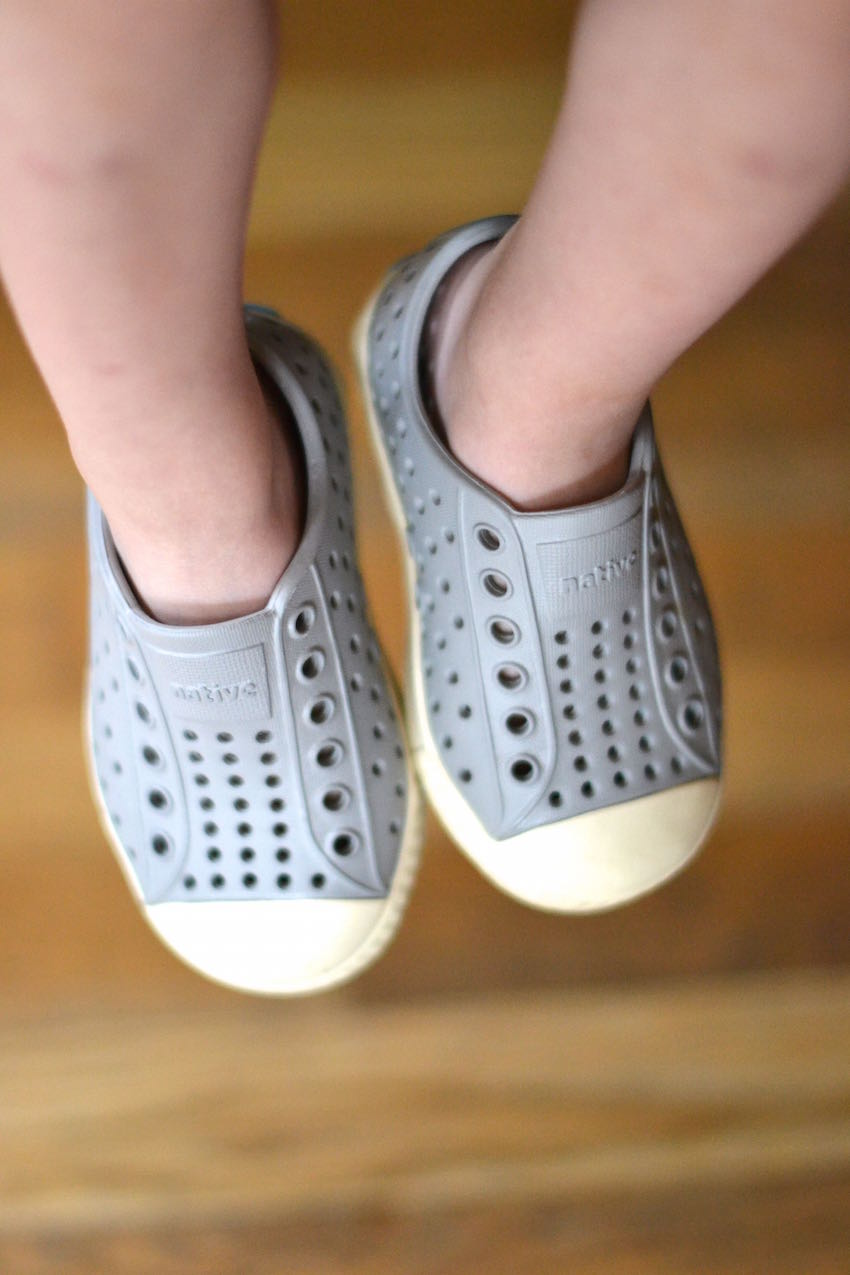 how to clean Native shoes - this would work for Crocs, too! // lovelyluckylife.com