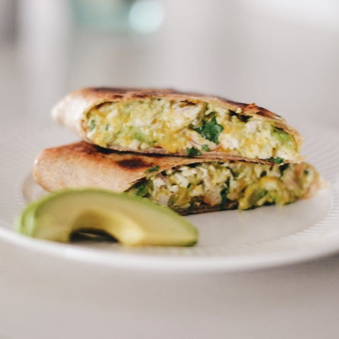 Easy Dinner Alert: 10 Minute Chicken Avocado Burritos