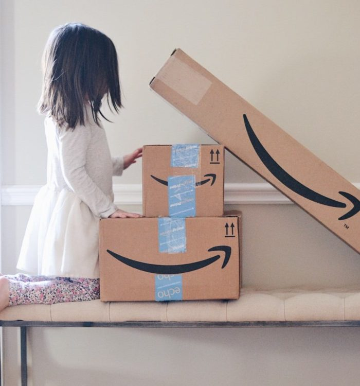 Amazon Shopping Tips for Moms + Choosing the Best Credit Card for Your Family