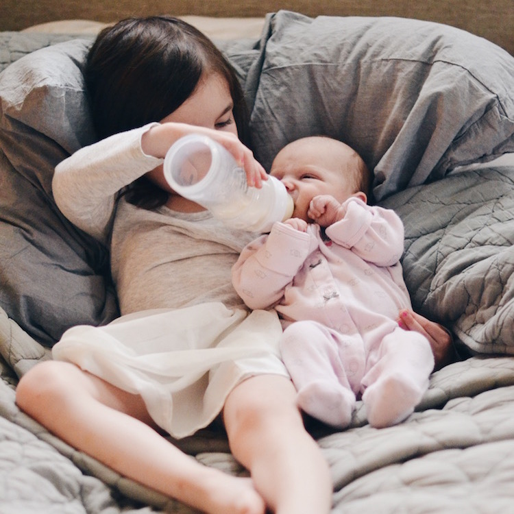 14 Tips to Get A Breastfed Baby to Take a Bottle