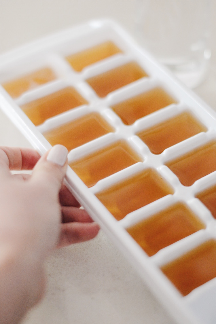 how to make coffee ice cubes - perfect for iced coffee. a step-by-step guide to the best iced coffee ever