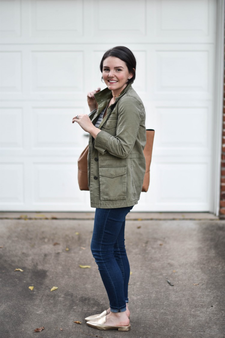 love this cute olive green cargo jacket for fall - such a cute outfit for moms
