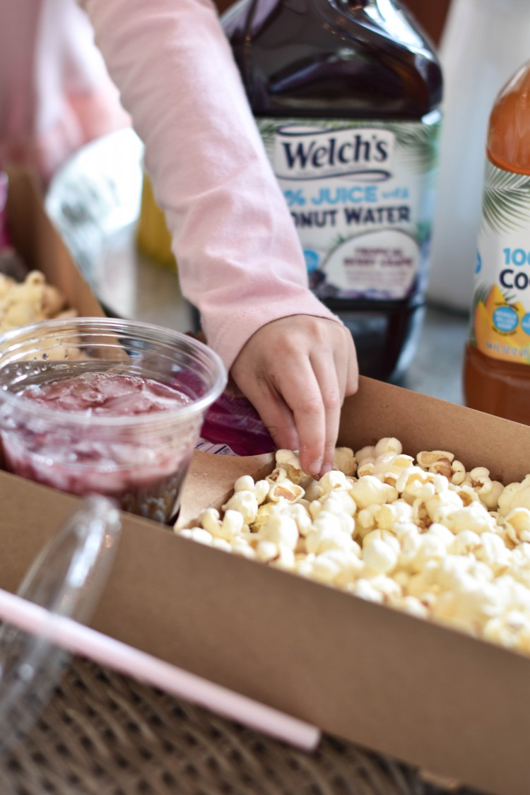 these snack boxes are adorable for a movie birthday party