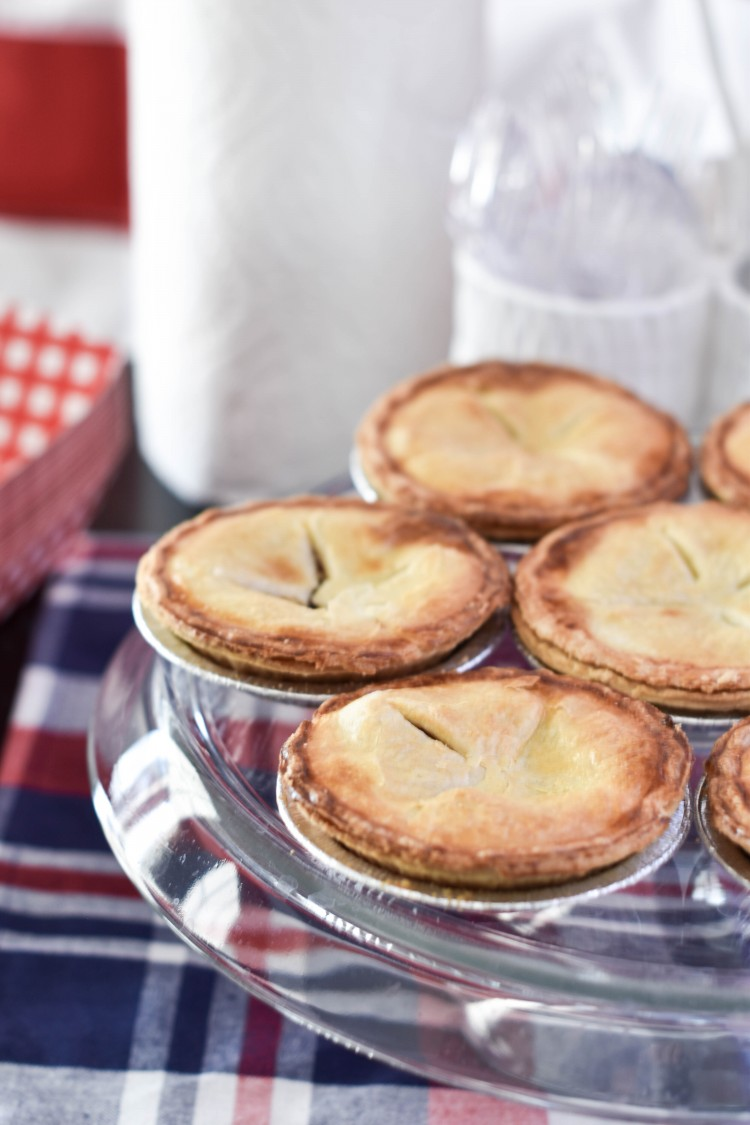 these mini apple pies are the cutest for an American birthday party