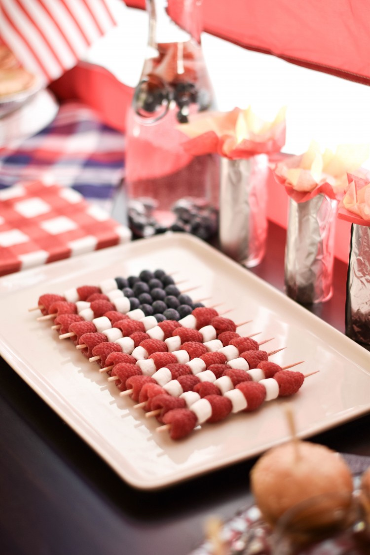 totally making an American flag fruit kabob tray for my next 4th of July party