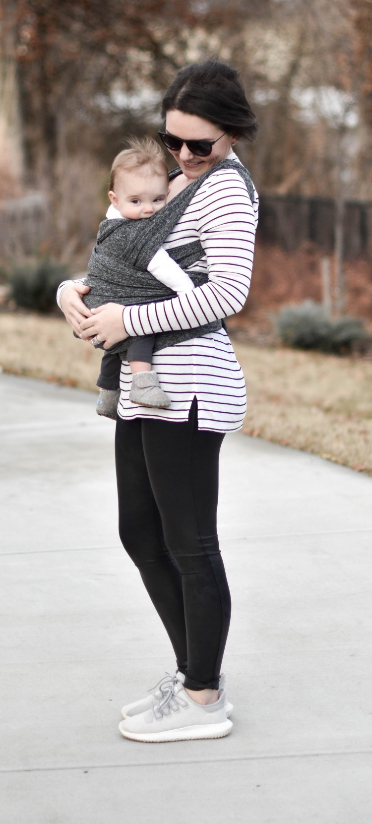 must have postpartum outfit - spanx, sneakers, stripes & sunnies