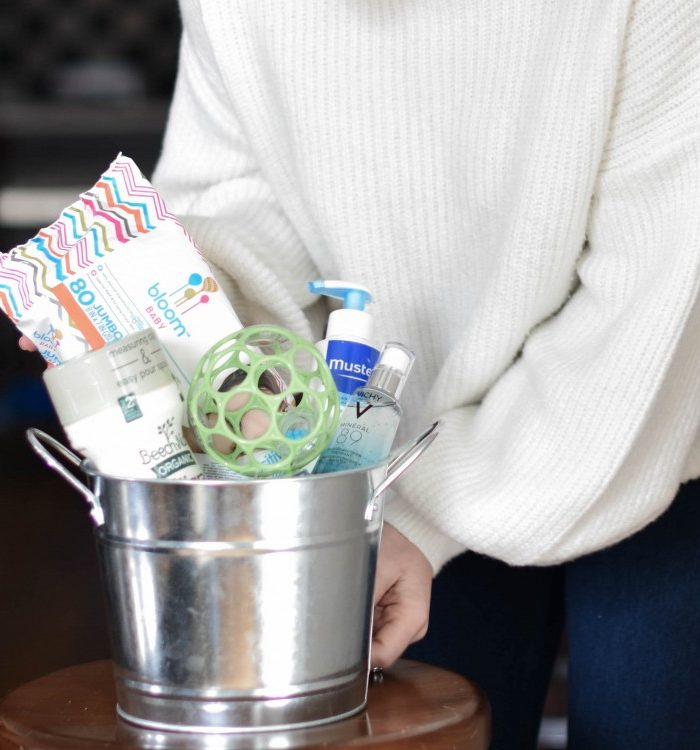 A Super Cute Baby Shower Gift Idea to Spoil Baby And Mom