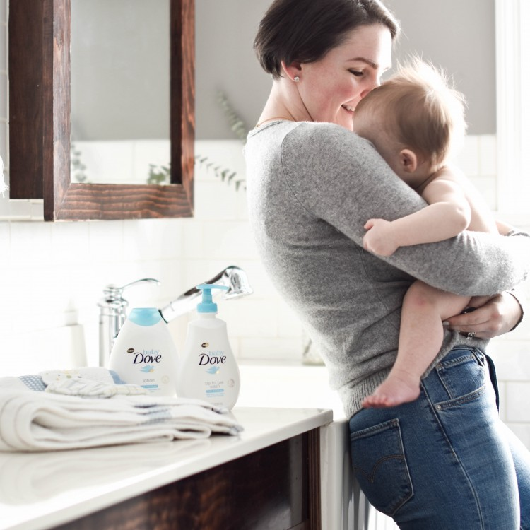Baby Bath Time Q&A – How to Bathe A Baby Like a Boss