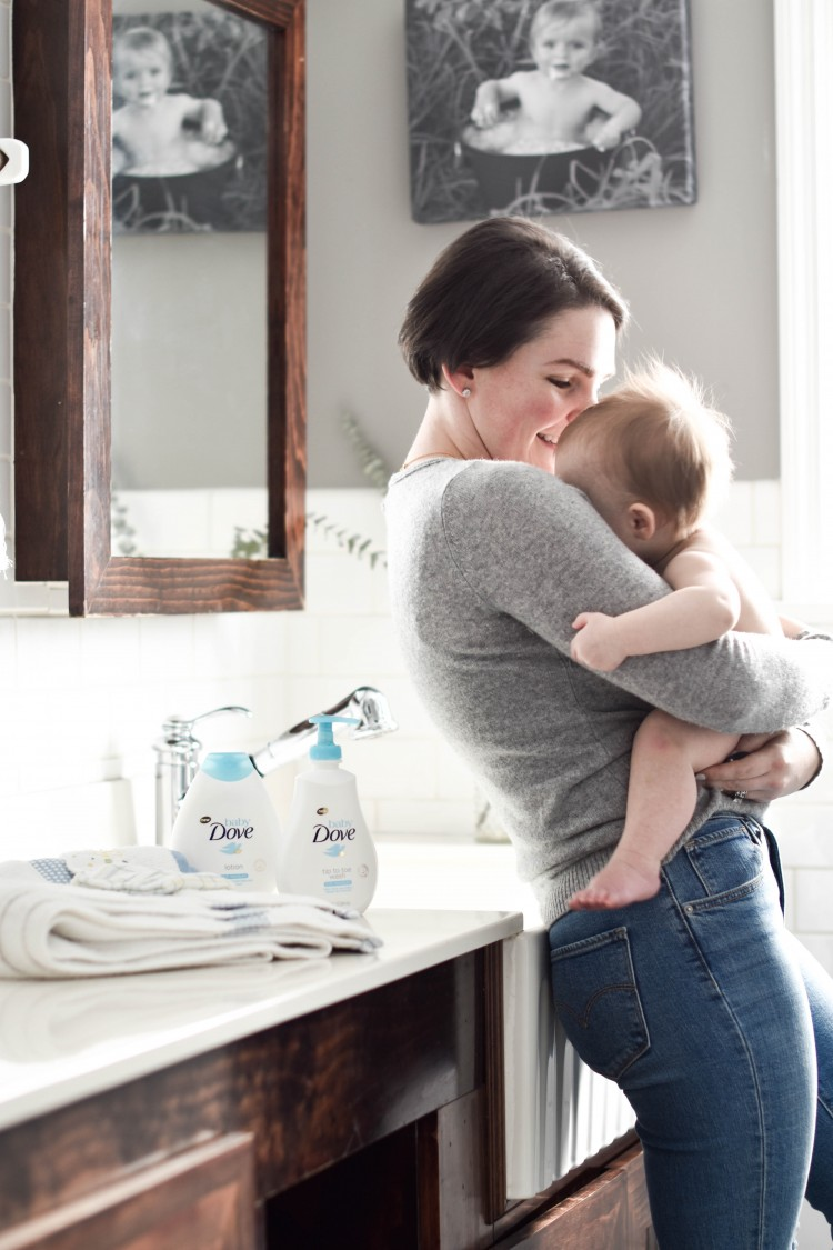 these tips for giving baby a bath are so good - a must for new moms!