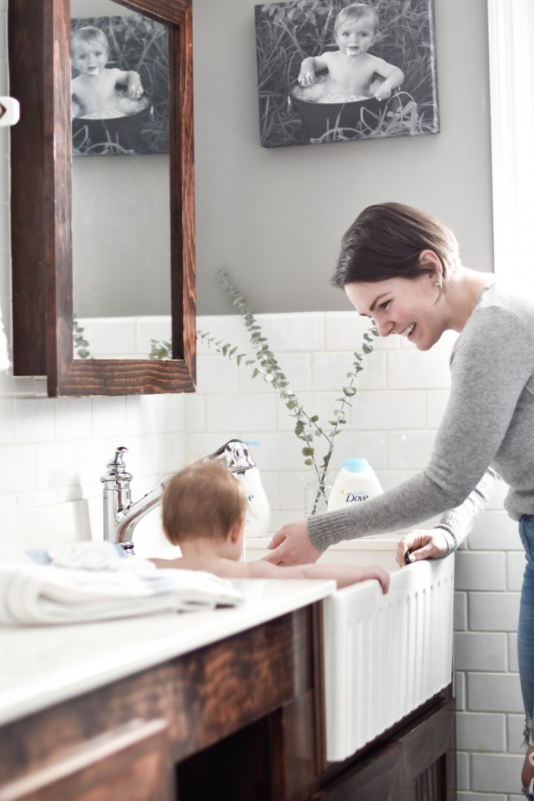 wondering how to bathe a baby in the sink? here are sink bath tips and tricks from a mom of three