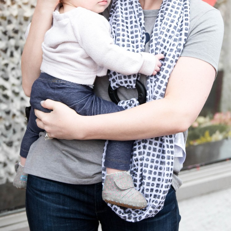 this boppy teething scarf is so good for moms of teething babies + it's great as a nursing cover