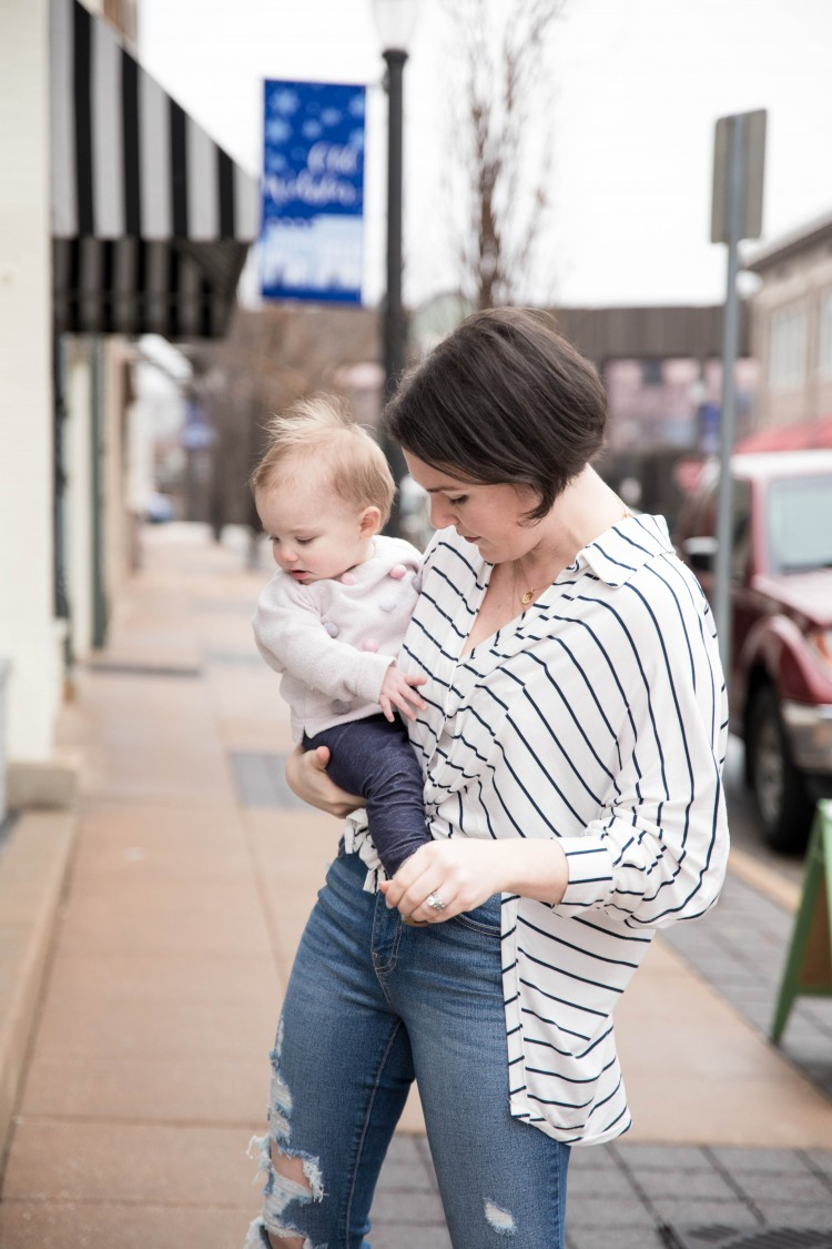 Striped shirt outfit with jeans - perfect #momstyle