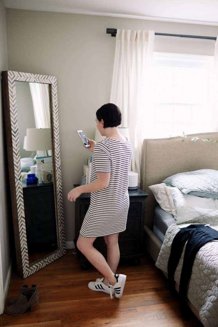 love this simple striped shirtdress for spring - perfect mom uniform!