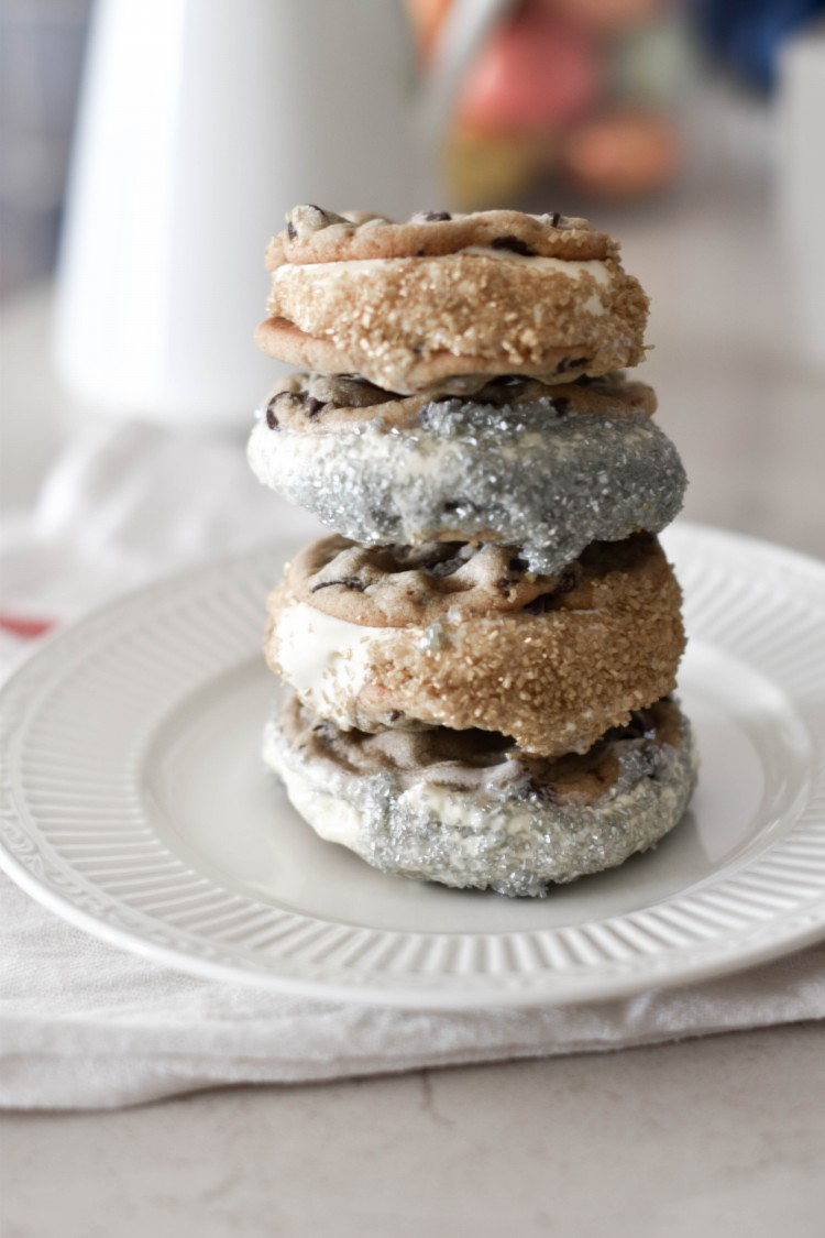 seriously mouth-watering - these ice cream sandwich with chocolate chip cookies are SO impressive