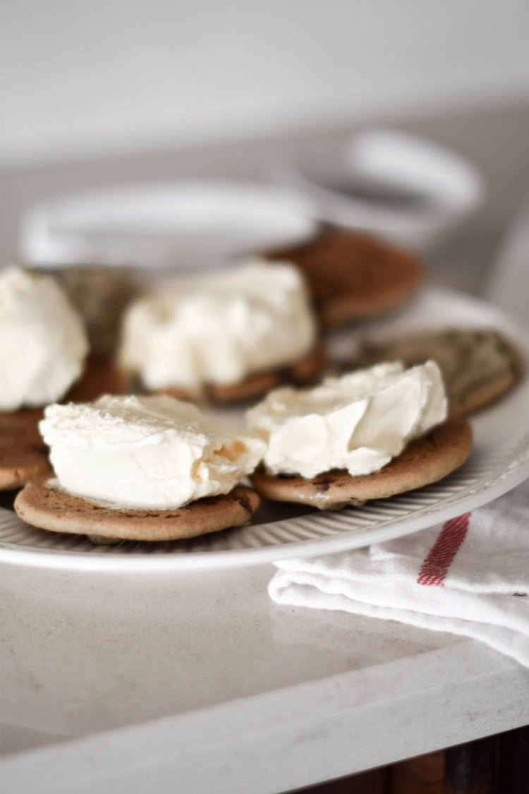 The best ice cream sandwich cookies + an ice cream cookie hack you NEED to know