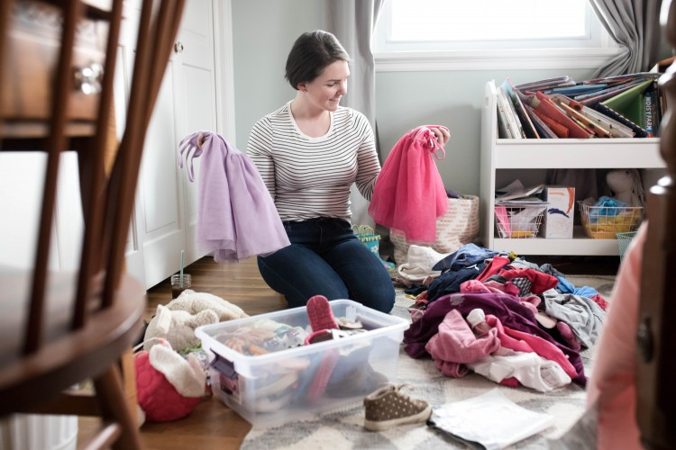 how to purge your kids' toys and clothes + motivation to declutter