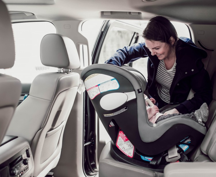 this carseat has safety technology to help prevent hot car deaths