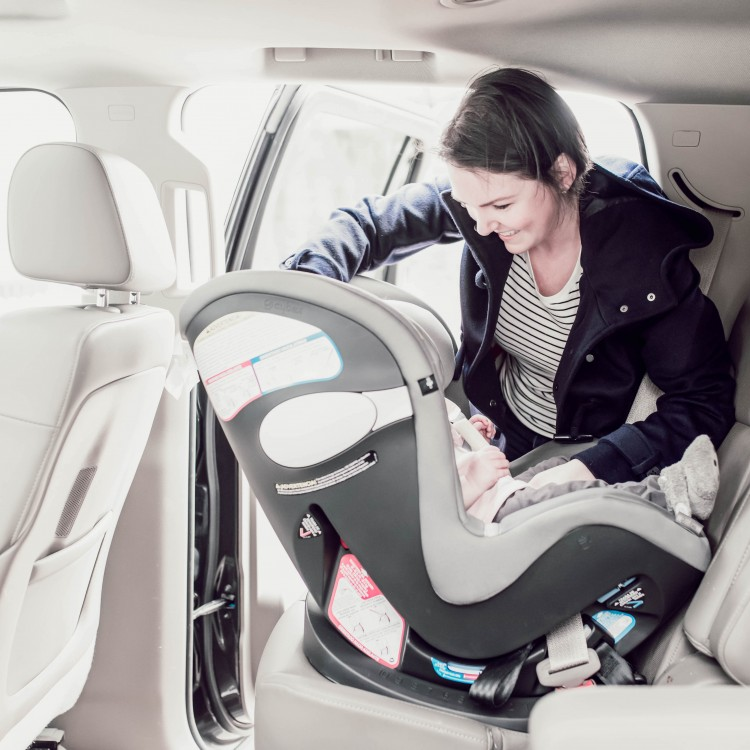 Here's How to Make Sure Your Baby is Safe in the Car