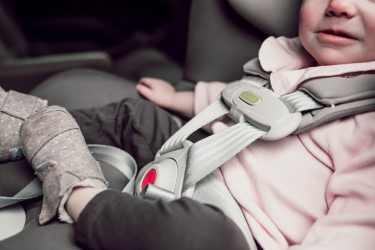 the 411 on baby car seats - learn about the chest clip, the shoulder straps, and how to anchor a car seat in