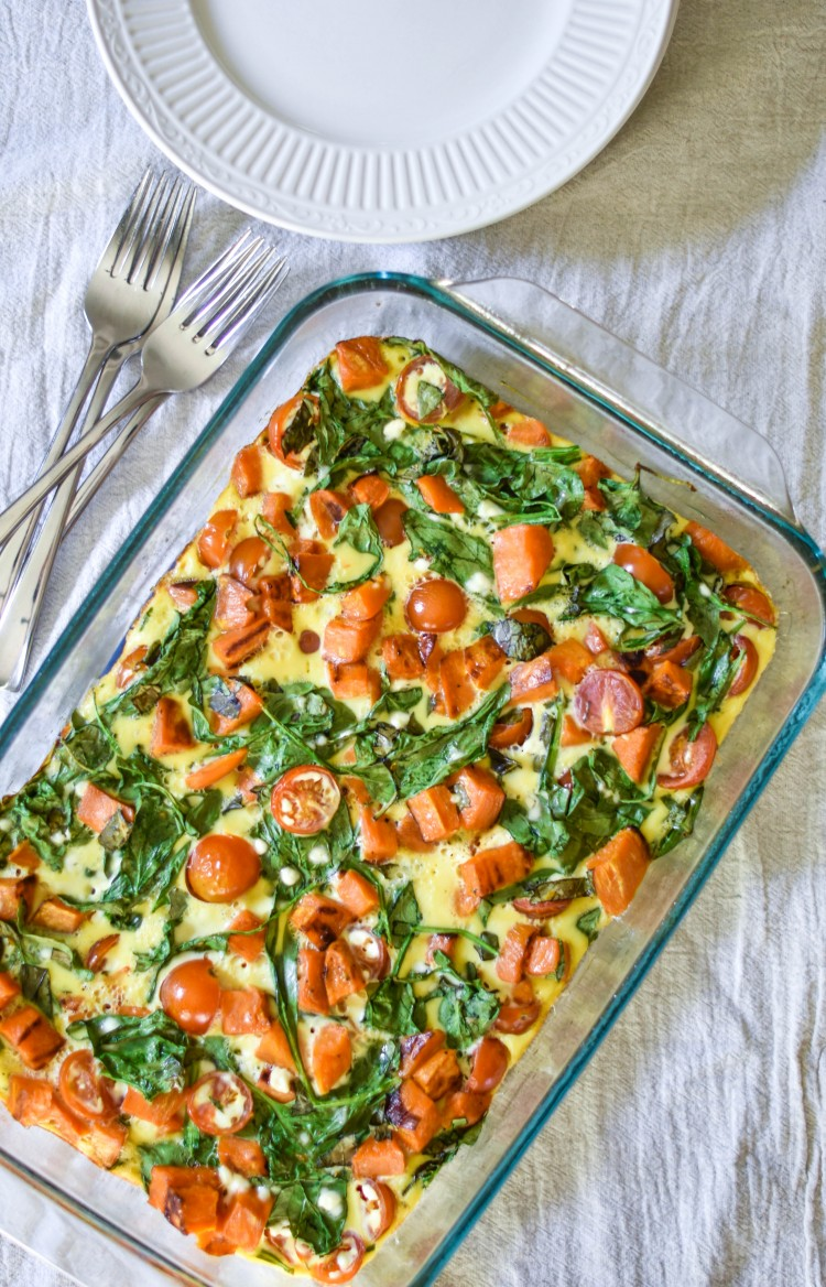 must make this if you're doing a 21 day fix! one green, one yellow, one red, one tsp in this breakfast casserole. make it once and eat it all week long #21dayfix #veggies #breakfast #eggs