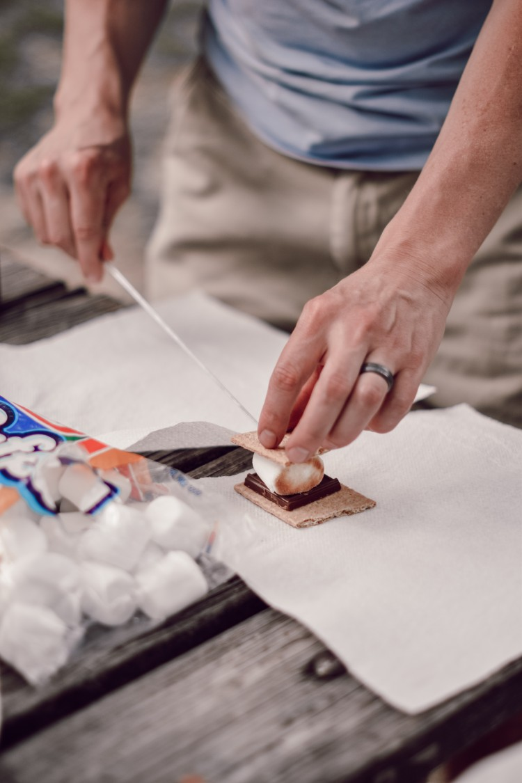 for me, the perfect s'mores recipe is Hershey's chocolate, graham crackers, and marshmallows #smores