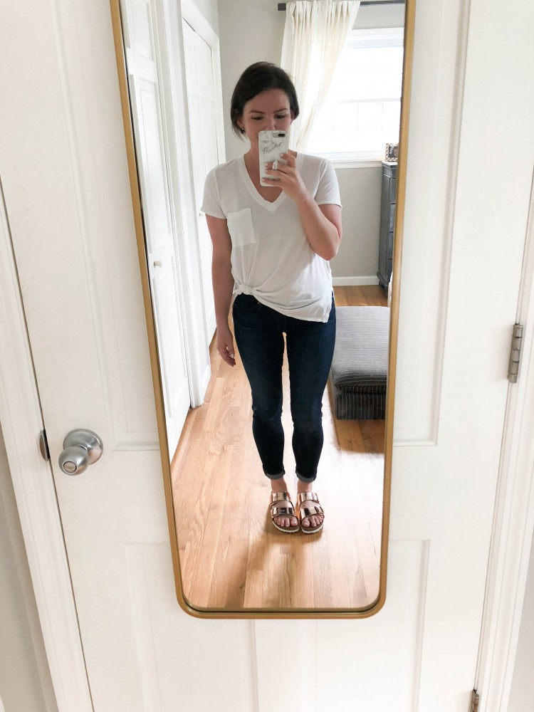this is the simplest spring outfit equation: white vnack tshirt with skinny jeans and rose gold birkenstock sandals.