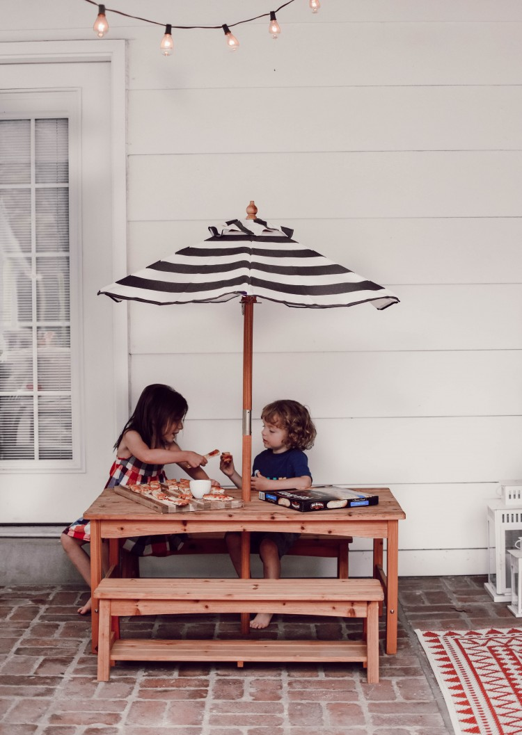 this tiny picnic table is the cutest thing ever! need for the backyard