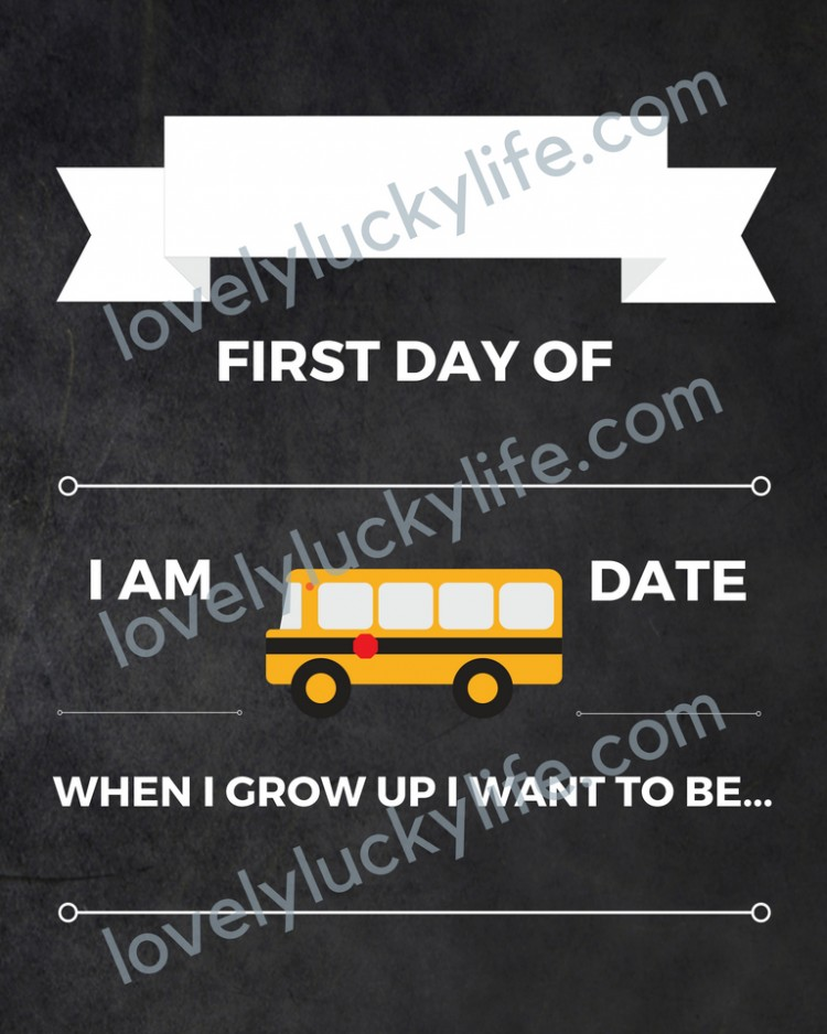 love this free back-to-school printable sign! has a chalkboard look but it's a printable and you just write in your child's details over the years