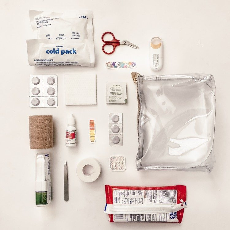 travel first aid kit diy - how to prep for vacation so you have all the safety essentials you need in this travel first aid kit