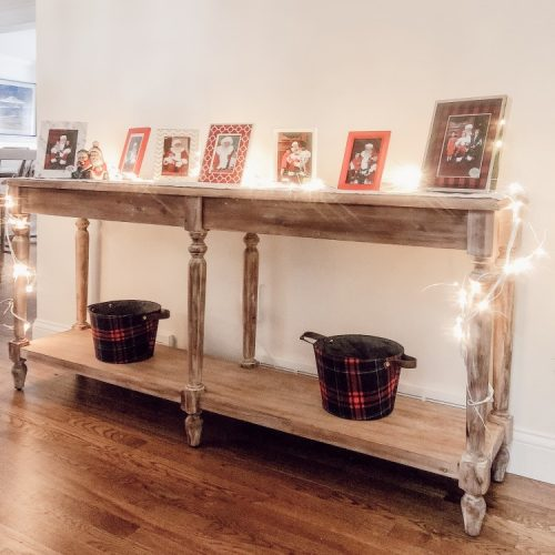 the best christmas picture frames for santa photos - love this Santa picture display