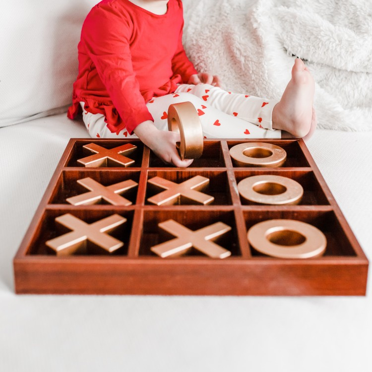 10 cute tic tac toe boards for Valentine's Day decor