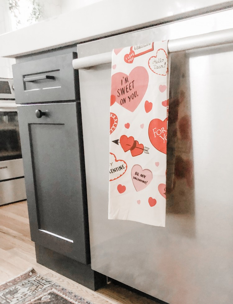 cute vintage inspired valentine's Day tea towel - love adding a festive tea towel to the kitchen for every holiday