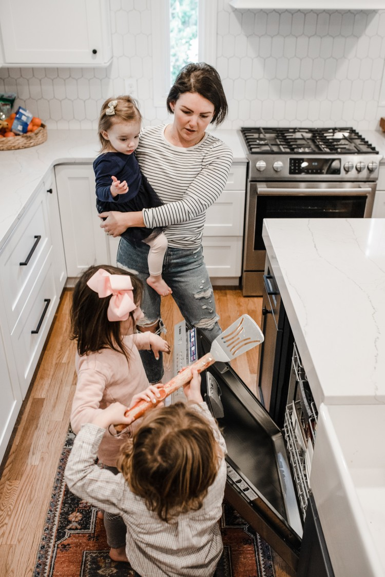 age appropriate kids chores - this list of chores for kids is SO good!