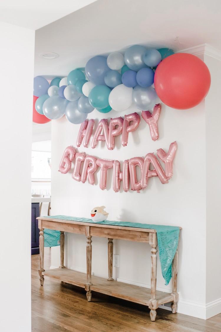 baby shark party balloon banner