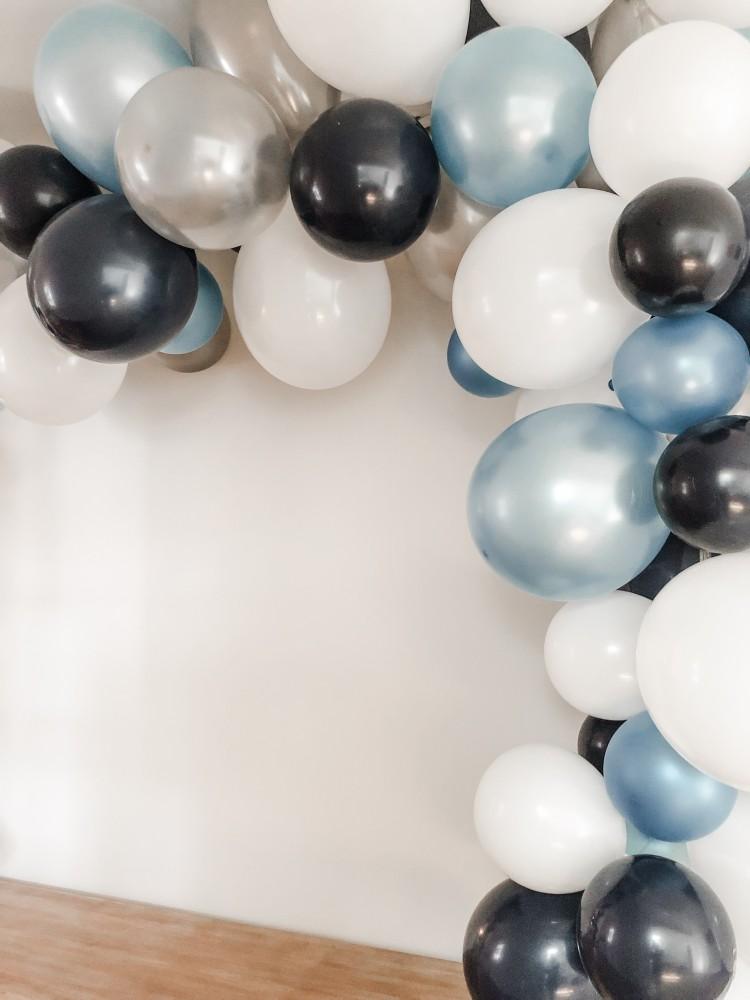 how long do balloon garlands last