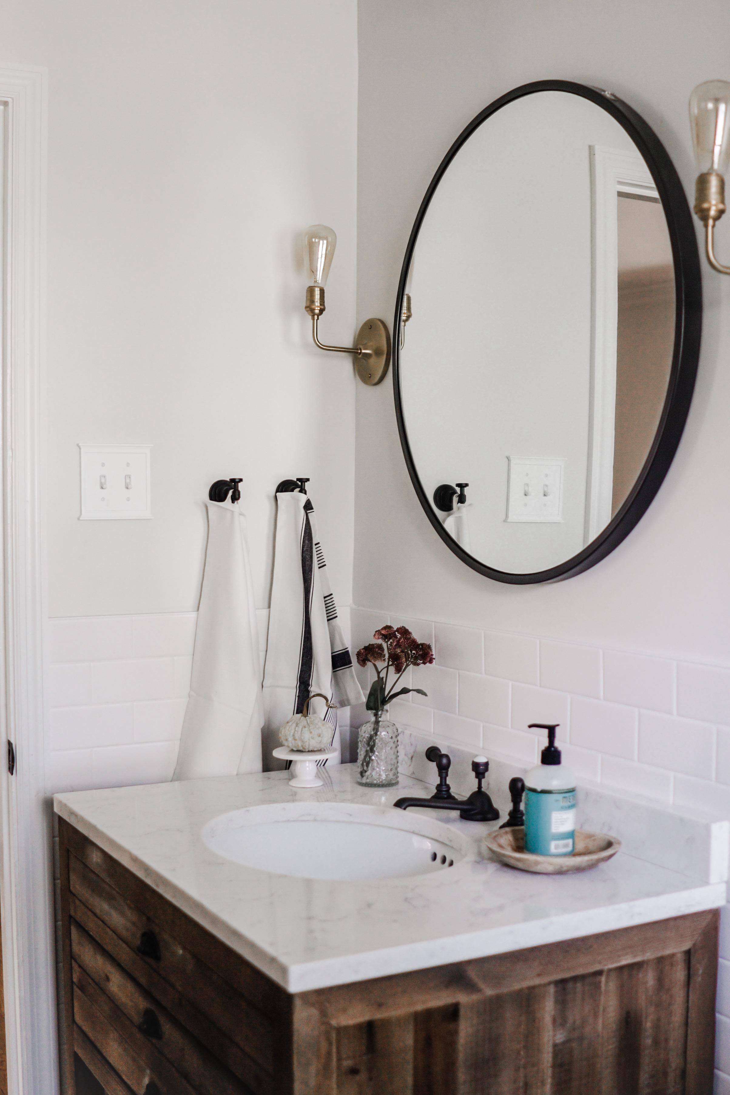 fall decor inspiration // fall bathroom decor ideas