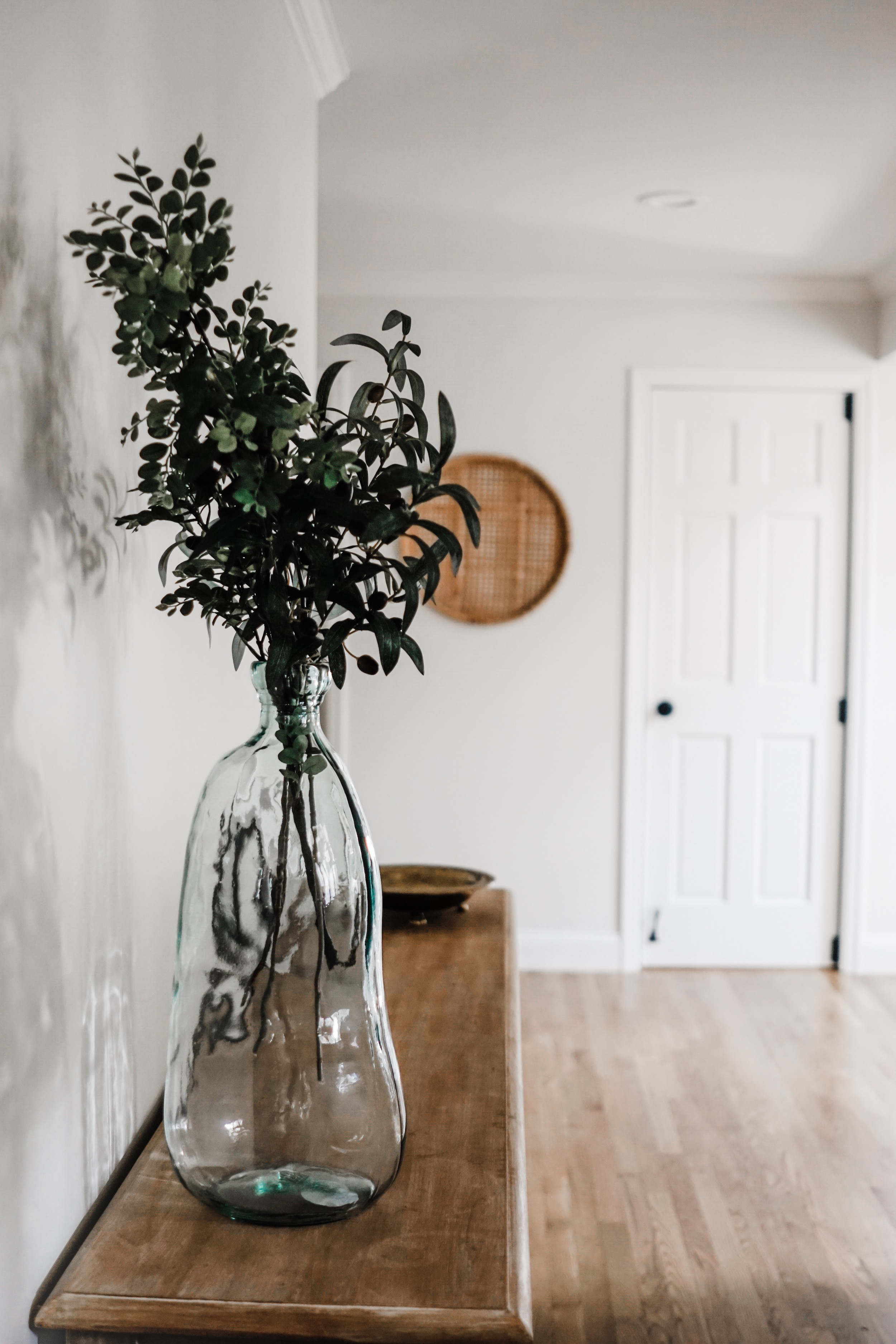 fall decor inspiration - These olive branches are my favorite // fall kitchen decor idea