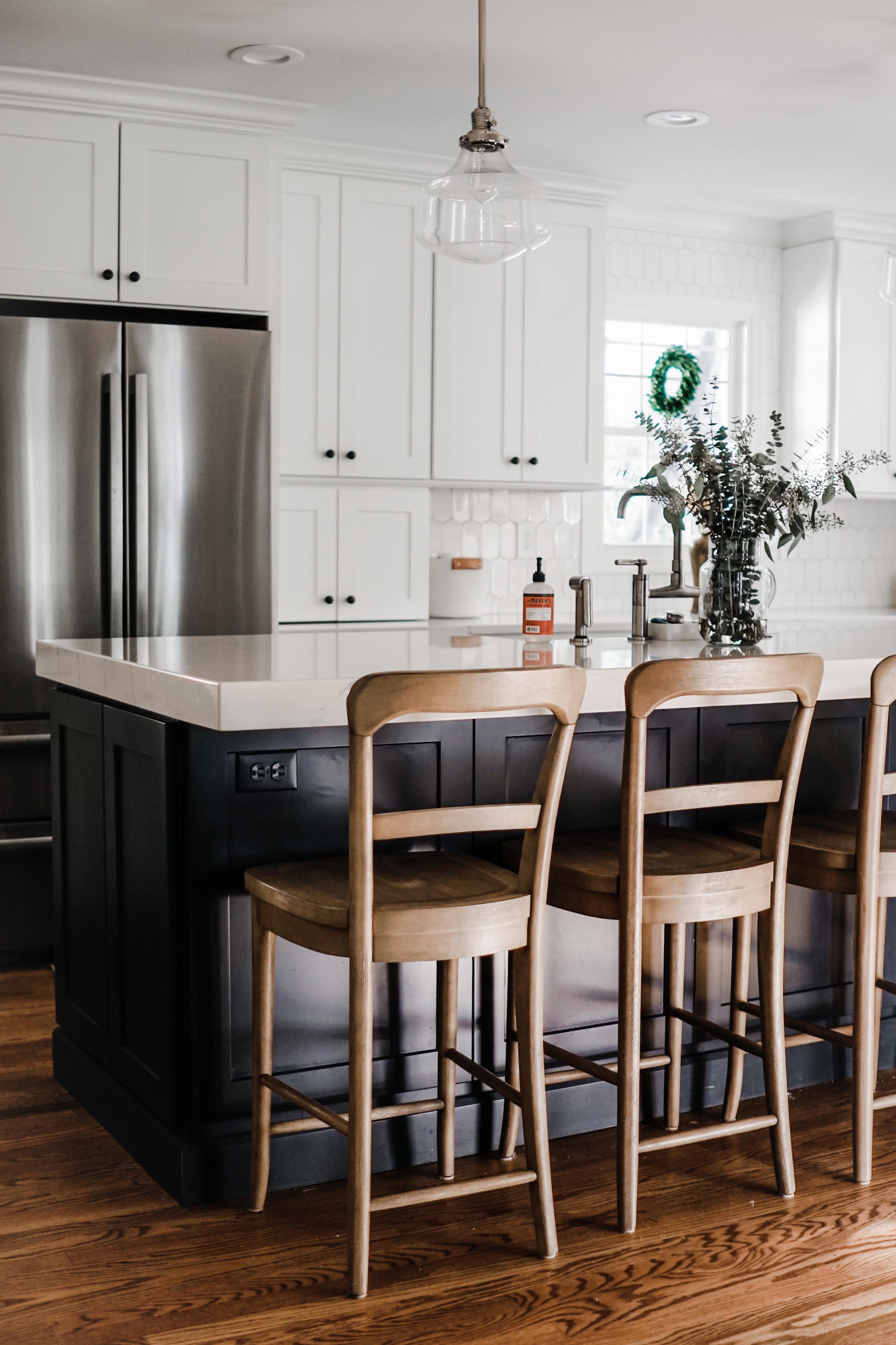 fall decor inspiration  - add mini boxwood wreaths to your windows // fall kitchen decor idea
