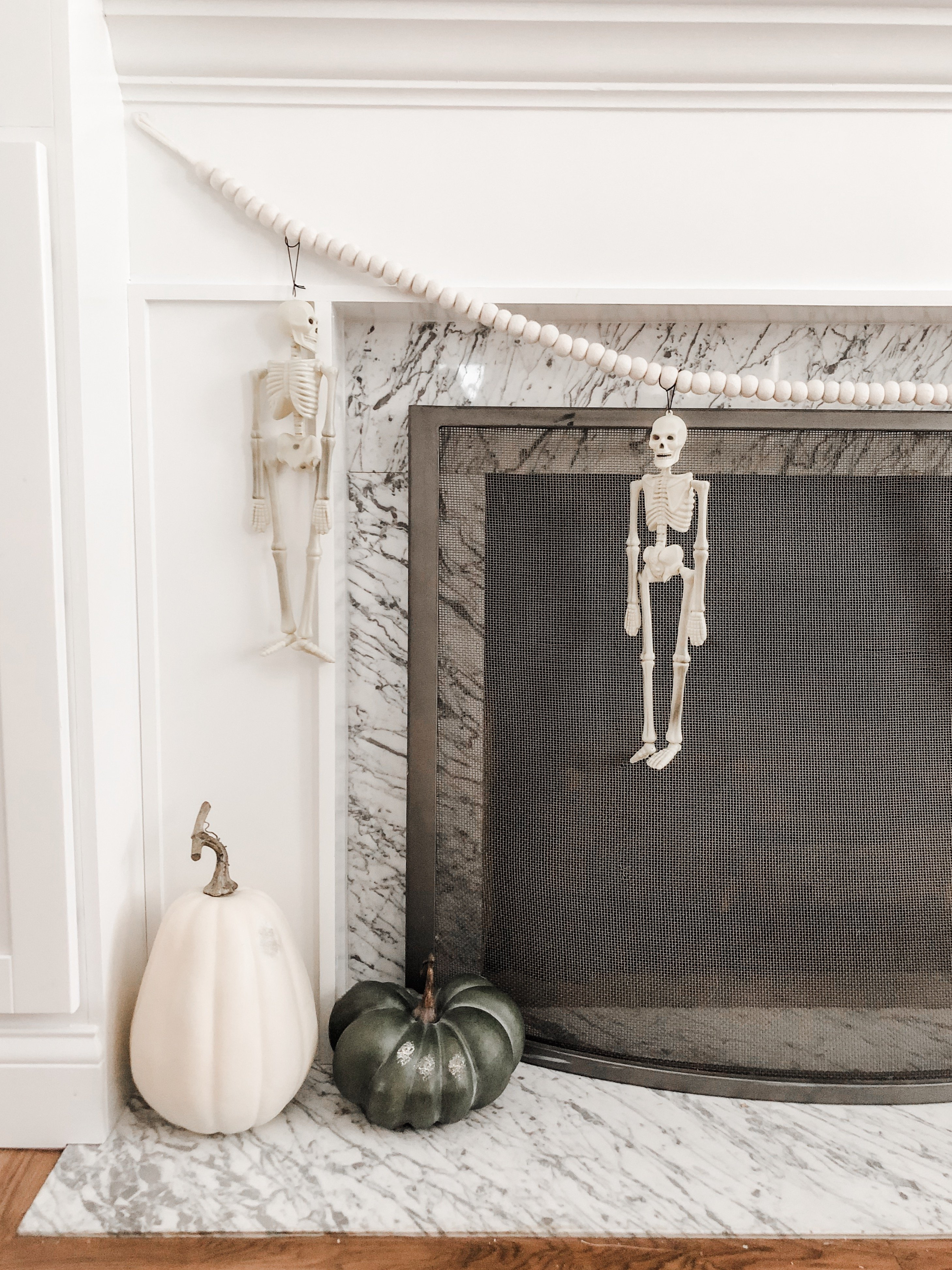 DIY skeleton banner