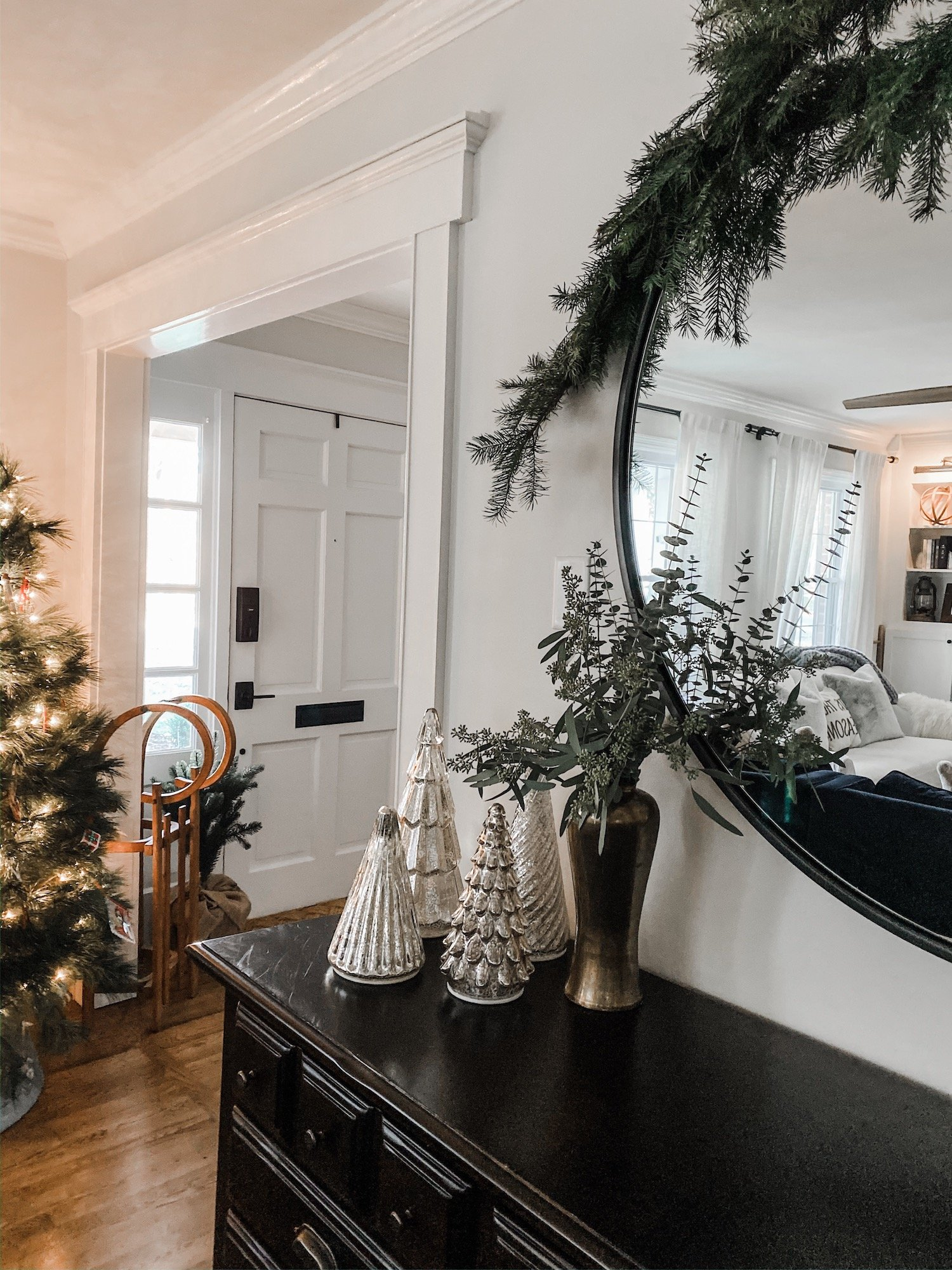 Living room Christmas Decor Inspiration